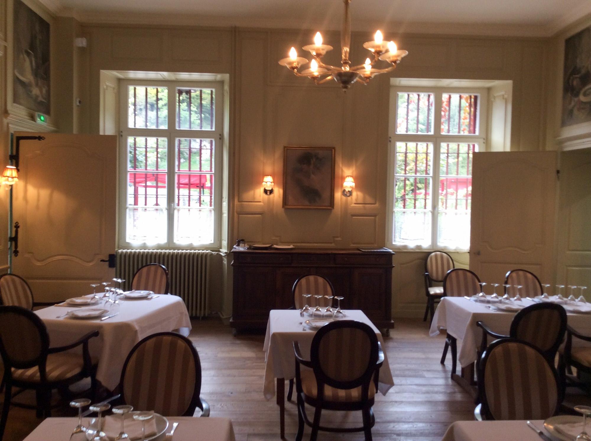 Restaurant Chez Gervais Chenecey intérieur auberge