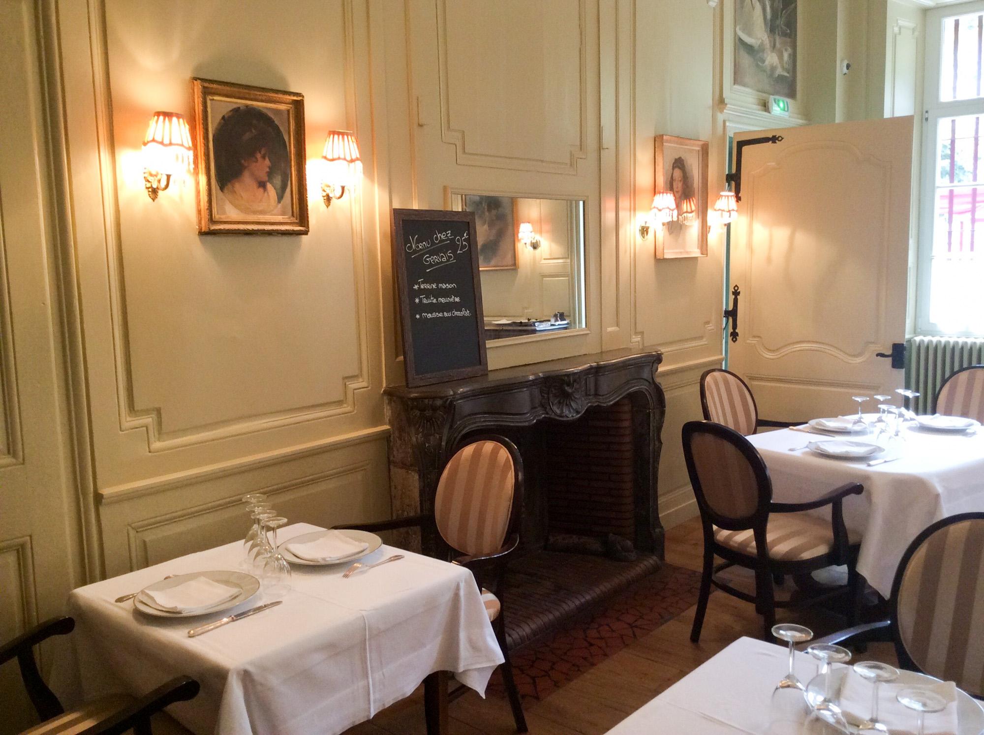 Restaurant Chez Gervais Chenecey le menu et la cheminé