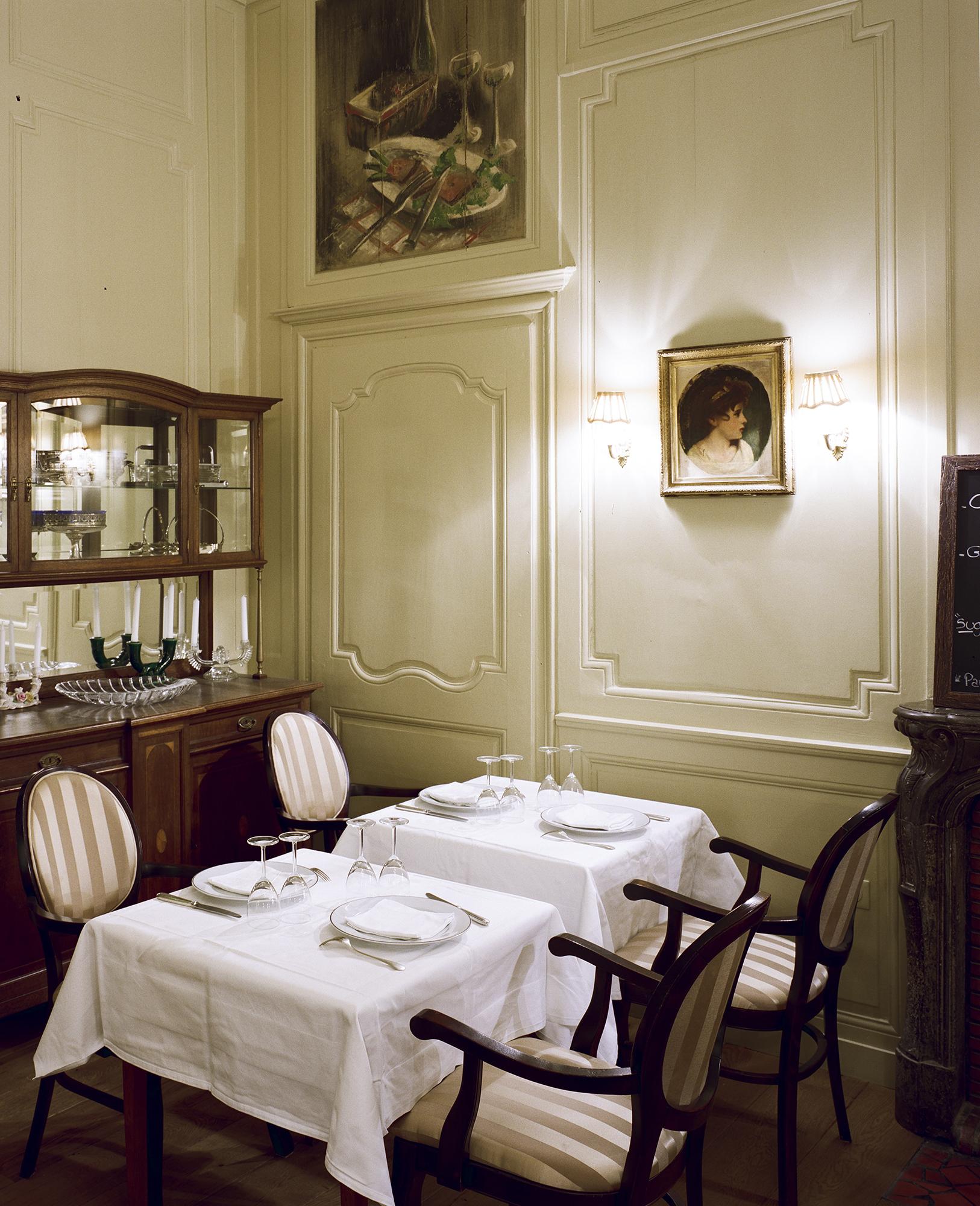 Moulures tableaux et tables - Resataurant Chez Gervais Chenecey